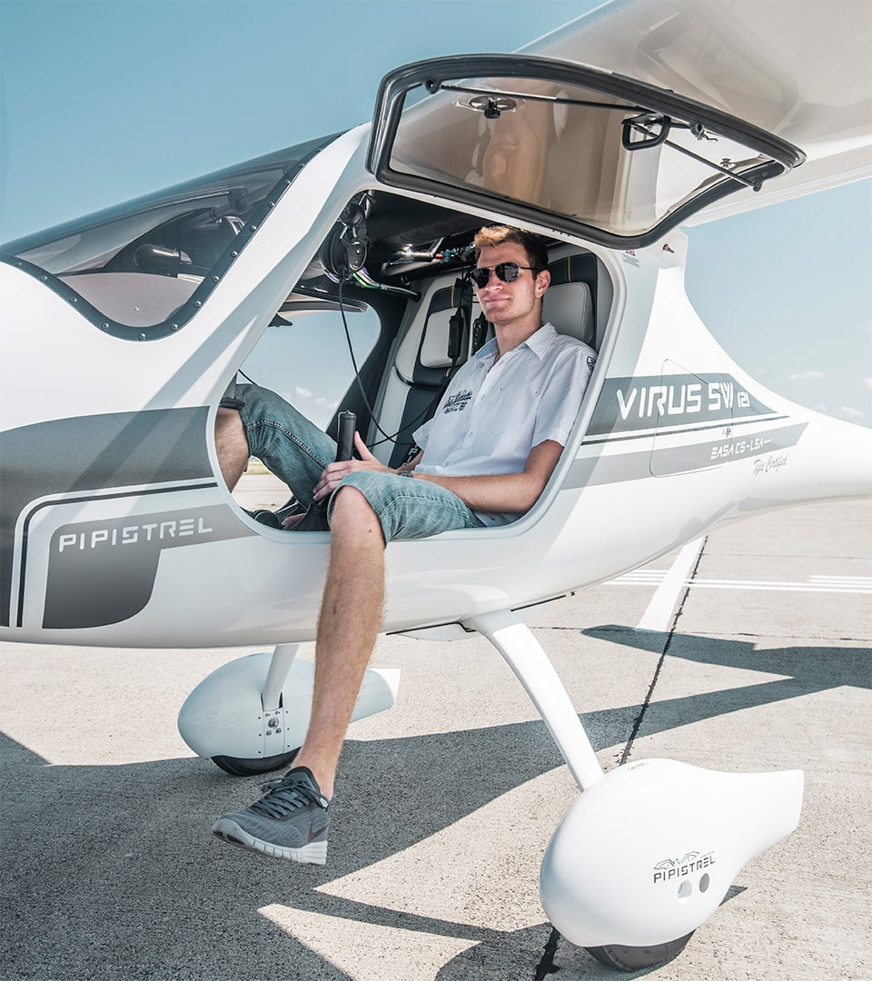 Hour Building in a glass cockpit Pipistrel aircraft