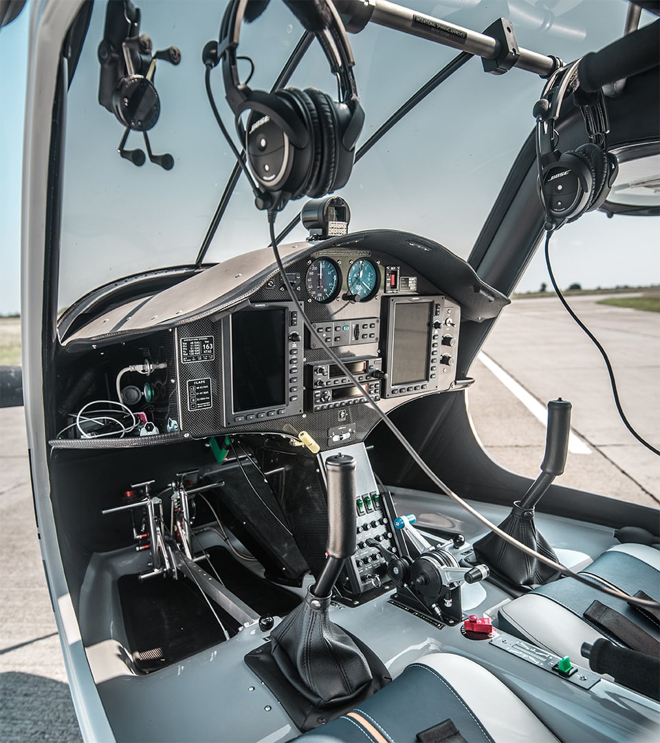 Quality hour building in a glass cockpit aircraft
